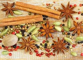 Przyprawy korzenne i cukiernicze